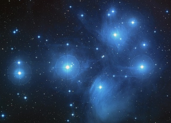 space-pleiades-star-cluster